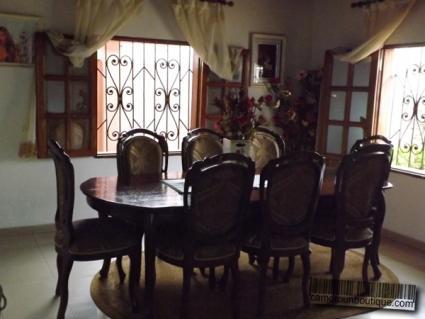Salle à manger villa meublée Yaoundé Biteng Cafco