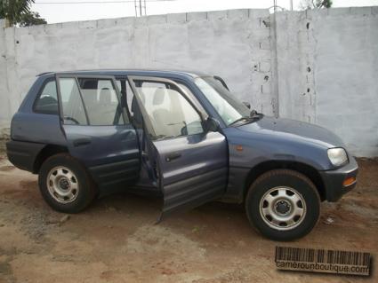 Location Toyota Rav 4 à Yaoundé